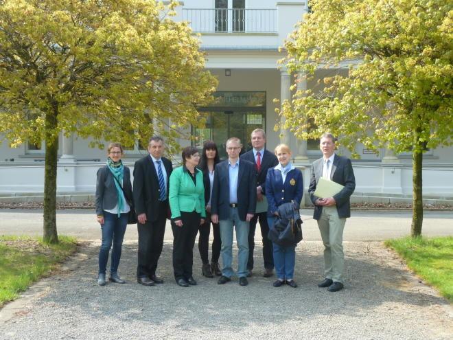 2015-0424 Besuch Steuerakademie