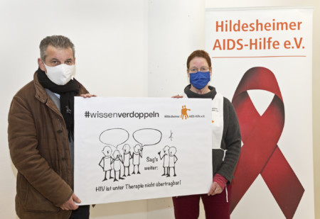 Markus Brinkmann und die Leiterin der Hildesheimer AIDS-Hilfe, Frau Cohrs