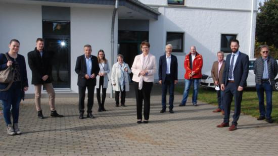 Gruppenbild des Ministerinnenbesuchs